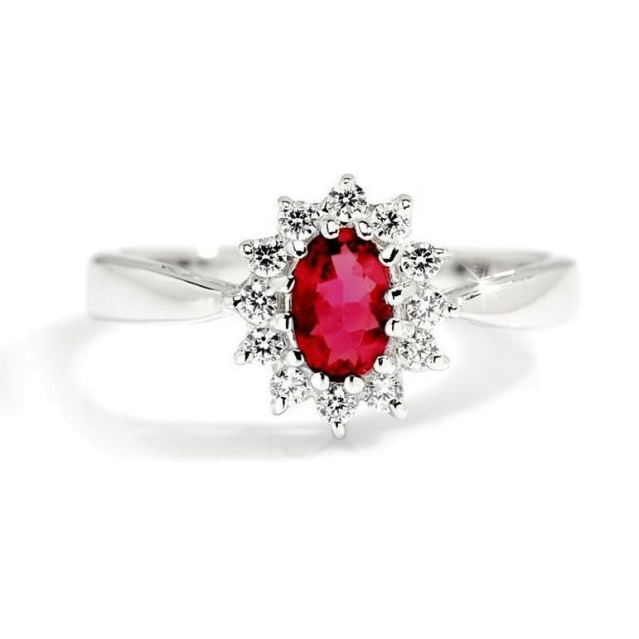 Magnifico Rubin og Diamanter