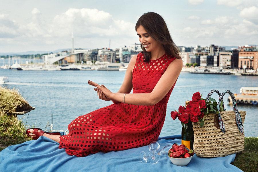 darja-roed-kjole